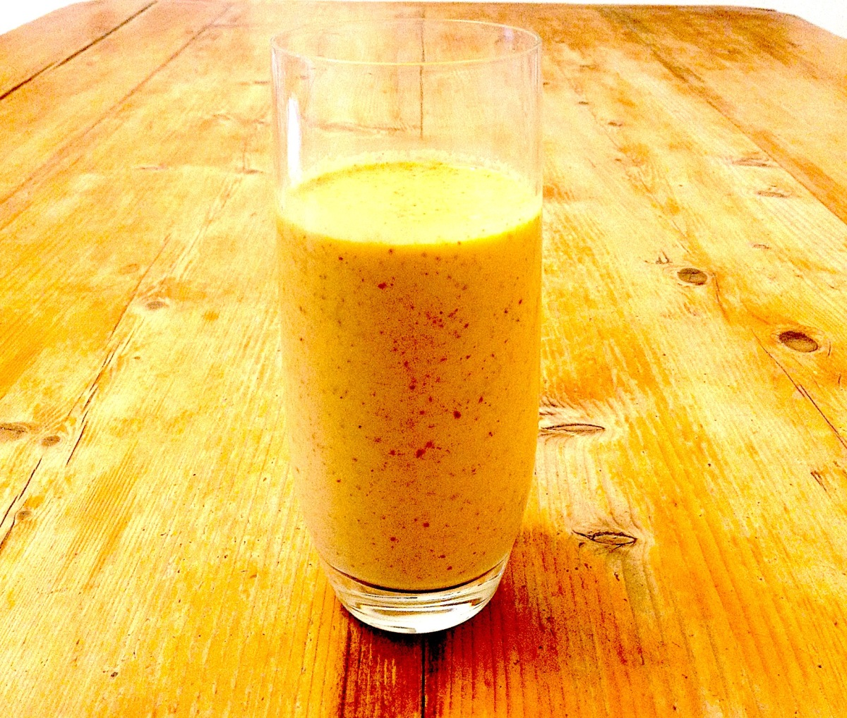 The Healthiest Cholesterol-Reducing Apple & Mango Smoothie